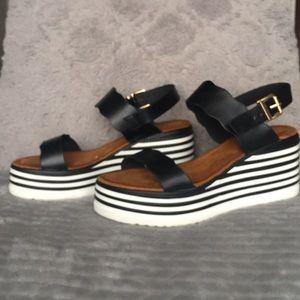 Platform sandals (Black&White) size 8